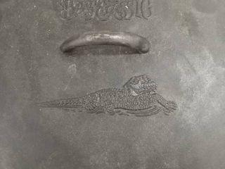 Bayou classic cast iron pot