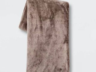 50 x60  Faux Rabbit Fur Throw Blanket   Threshold  RETAIl  29 99