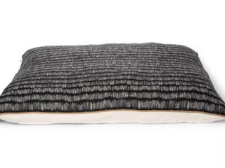 KE Pillow Print Poly Canvas Dog Bed   Xl   Boots   Barkley  RETAIl  49 99