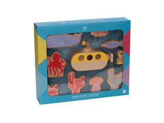 The Manhattan Toy Company Under the Sea Wood Activity Toy   Submarine  RETAIl  24 99