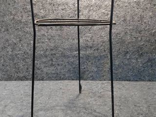 1 Medium Plant Stand