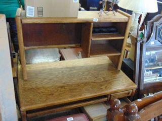 desk w hutch