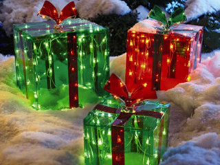 Roofs 3Pre lit Gift Boxes   Outdoor   150 lights