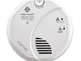 First Alert AC Powered Smoke   Carbon Monoxide Alarm Set Of Three Model  SC7010BV
