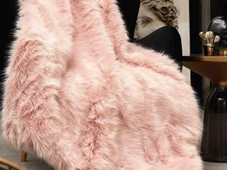 Pink long Hair Plush Throw Blanket