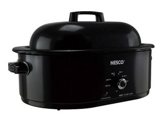 NESCO 18 QT Roaster with Porcelain Cookwell