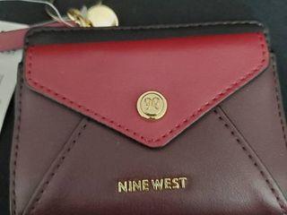 Nine West Kate Zip Wallet Retail   30 00