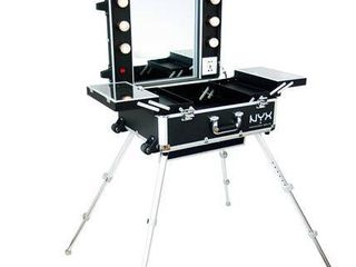 NYX PROFESSIONAl MAKEUP X large Makeup Artist Train Case with lights Retail   379 99