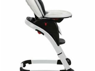 Graco Blossom 6 in 1 Convertible High Chair  Studio