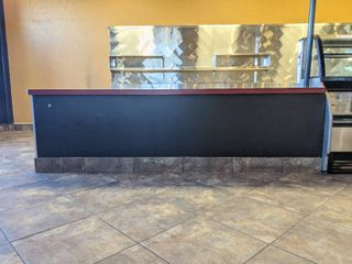 l Shaped Counter  Buyer Responsible For Removal