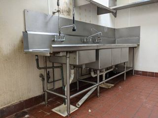 3 Bay Sink  Buyer Responsible For Removal