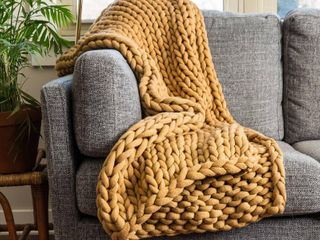 Camel Your lifestyle by Donna Sharp Chunky Knit Throw Retail  99 98