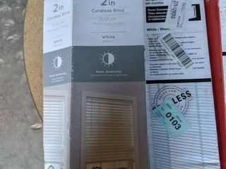 lot of 3 blinds please see pictures