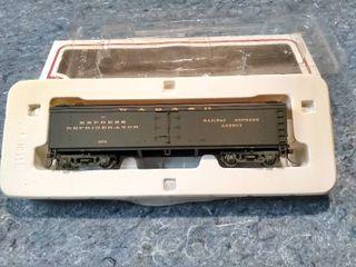 Wabash 974 Express Refrigerator Railway Express Agency Model Train Car