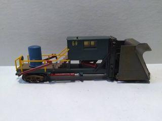 69 HO Model Train Engine