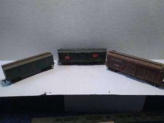 3 HO Model Train Stock Cars