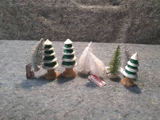 lot of Christmas Tree for Model Trains
