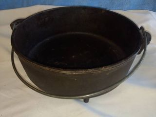 10 in Dutch oven made in USA