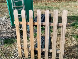 2 wood fence panels 4 ft wide and 4 ft tall
