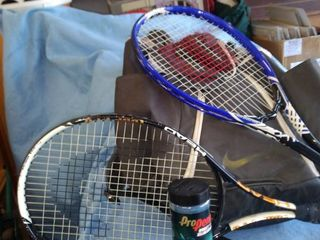 Nike racquetball bag two rackets and balls