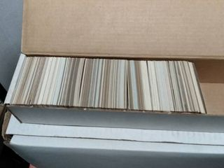 800 count box with mixed baseball cards