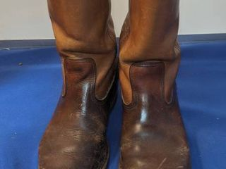 red wing boots believed to be size 9