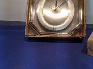 Roxisal Quartz clock untested new inbox