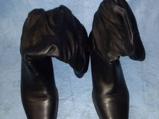 liz Baker black boots size 9 great condition