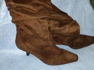 new brown suede boots size 9