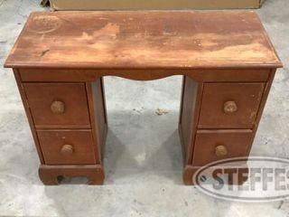 Small Desk 0 jpg