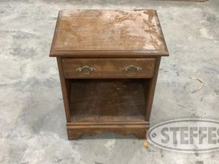 Wooden End Table 0 jpg