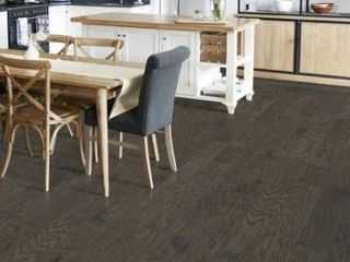 Style selections 5 23 in grey pewter oak wire brushed engineered hardwood flooring 20 62 sq ft