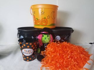 lot of Assorted Halloween Items