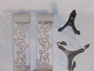 lot of 4 Micelanious Decor Items   Wall Hanging Picture Frame Holder