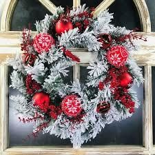 Flocked Artifical Wreath with Red and White