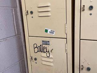 locker  6 lockers
