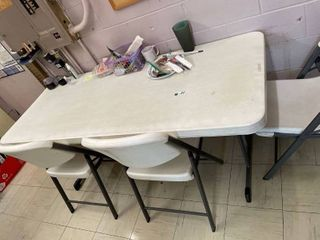 lIFETIME White Table   3 Chairs