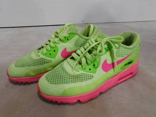 Girls 5Y Nike Air Max