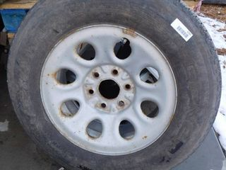 Good wheel   tire for  05 Chevy Silverado 1500 P245 70R17   great tread