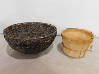 2 decorative baskets