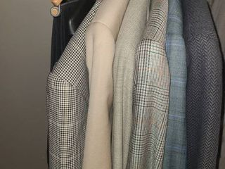 MEN S ClOTHING  Blazers  MISSONI UOMO  DIllARDS  NEIMAN MARCUS  MANI  See pictures for more names  Jackets are mostly 42  and 2 Pair of Pants  Size 36