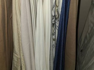 WOMEN S ClOTHES  Slacks  Sized 16  Brands are TAlBOTS  CHICOS  and lIZ ClAIBORNE