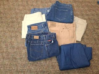 lADIES ClOTHES  JEANS  7PR  and 2 SKIRTS