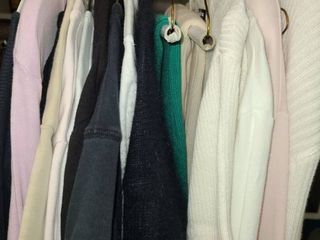 lADIES ClOTHES  Shirt Sleeve  3 4 Sleeve Shirts and Sweaters Sizes large and Xl  RAlPH lAUREN  CHICOS  lIZ ClAIBORNE  and other Brands
