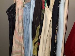 lADIES ClOTHES  SKIRTS  Sizes 16 and a few 18  TAlBOTS  SUSAN BRISTOl  EllEN TRACY  and other Brands