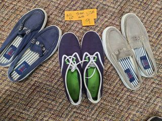 WOMENS SHOES  3 Pair  2 which are SPERRY S  and the other are GRASSHOPPERS  See pix for sizes
