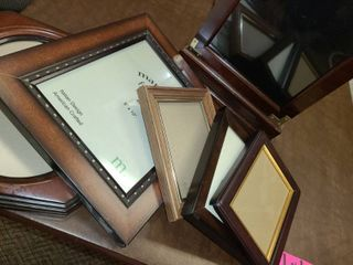 Picture Frames  Various Sizes  6 Frames Total