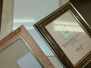 Picture Frames  8 x 10 and 2  5 x 7