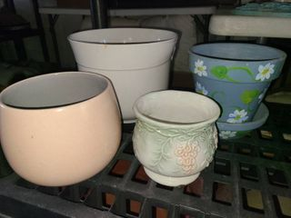 Small Ceramic and Clay Pots 8 5 in to 4 in lot of 4