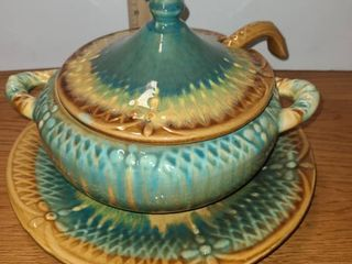 MARCIA of CAl USA  Soup or Gravy Tureen